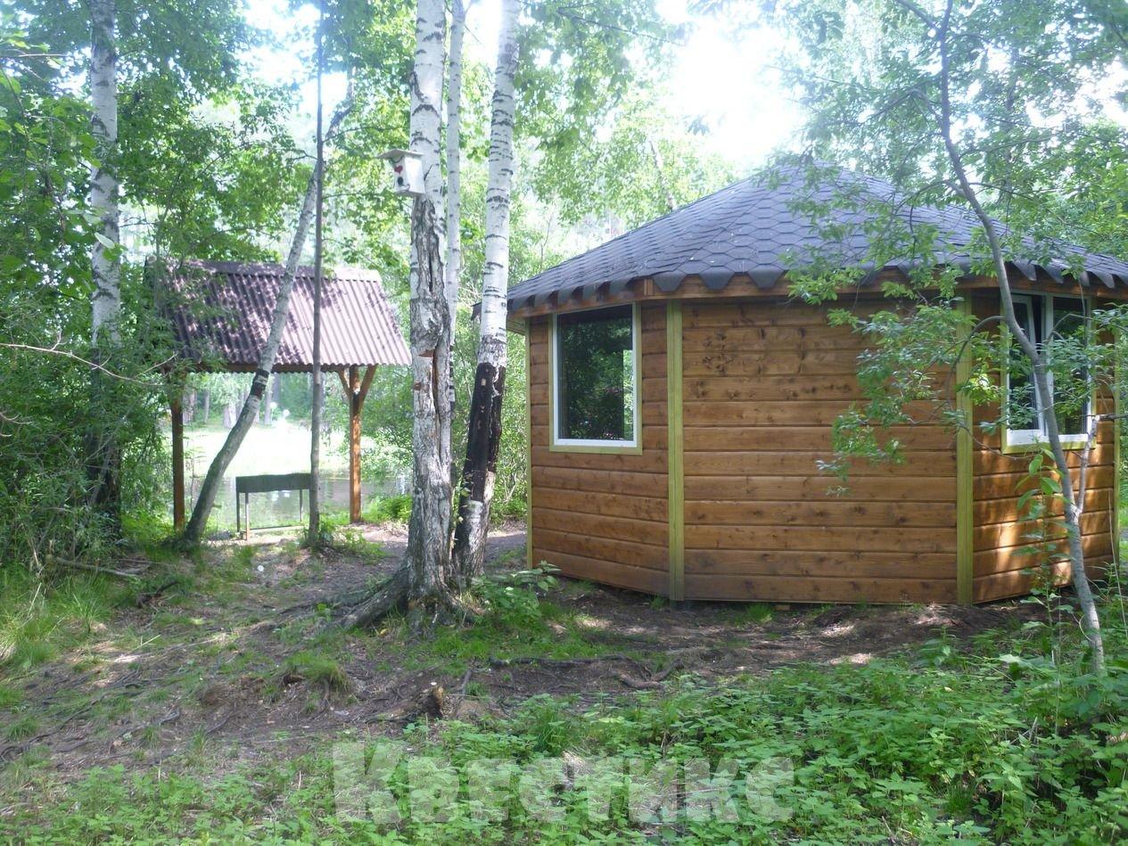 Беседка № 19 в парке отдыха на озере Чемоданчик а Академическом