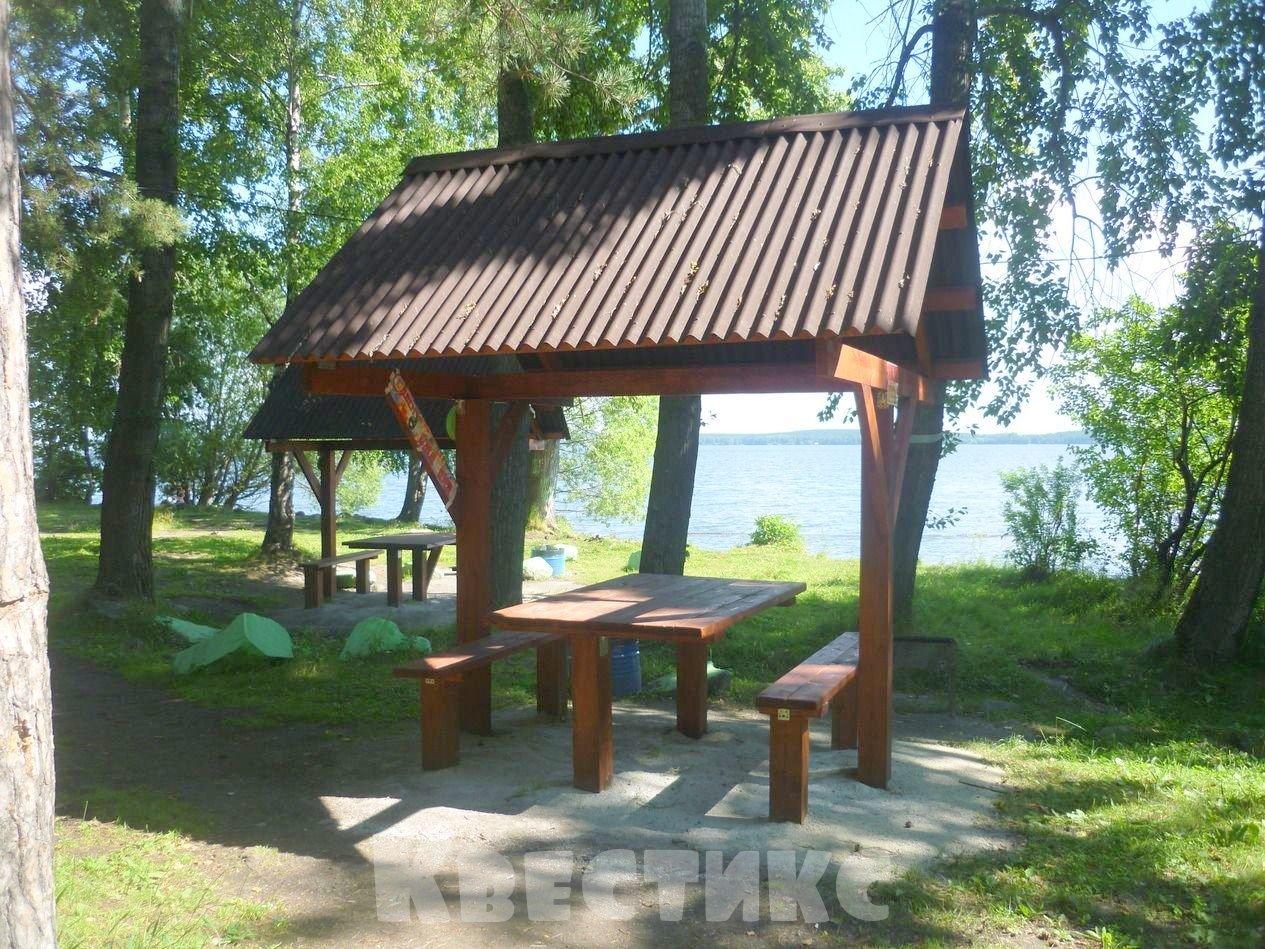 Беседка № 25 парк отдыха каменный пляж на озере Шарташ