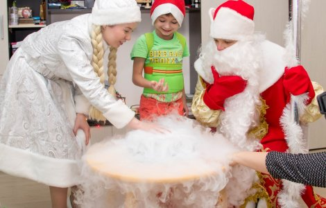 Дед Мороз-Волшебник и Снегурочка